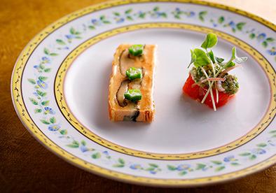 スカイレストラン ピトレスク「鰻と虹鱒のパテアンクルート」